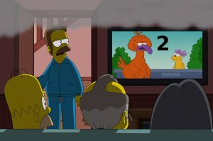 homer-watching-tv-2