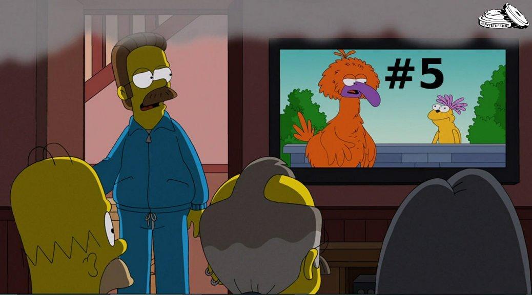homer-watching-tv-5